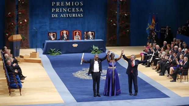 Los galardonados con el Premio Princesa de Asturias 2018 de Cooperación Internacional , Amref Health Africa (Global) y Amref Salud África (España)