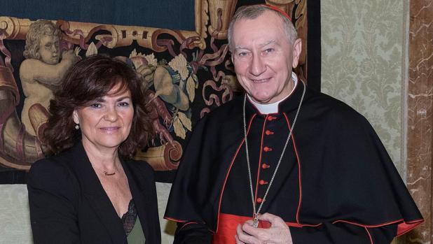 La vicepresidenta, Carmen Calvo, y el secretario de Estado vaticano, Pietro Parolin