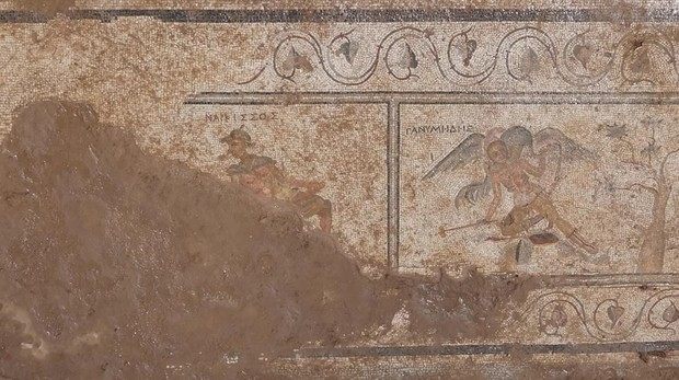 Uno de los mosaicos hallados que representa a Ganímedes