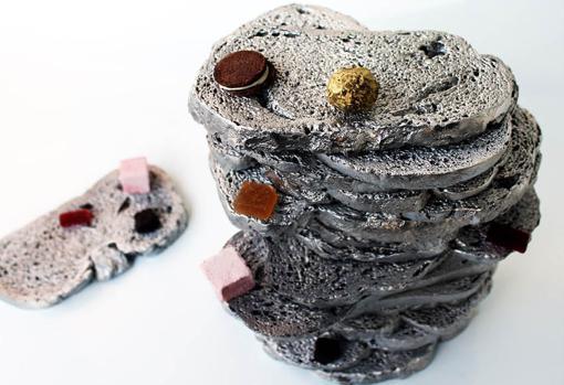«Plat de Pa» para El Celler de Can Roca. Platos hechos de aluminio, hechos de verdaderas rebanadas de pan.