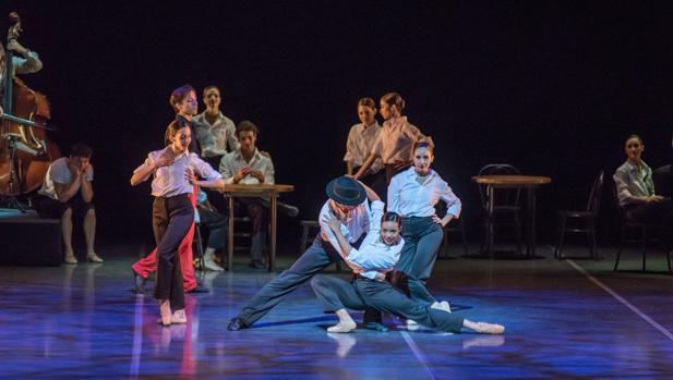 Una imagen de la coreografía «Encuentros»