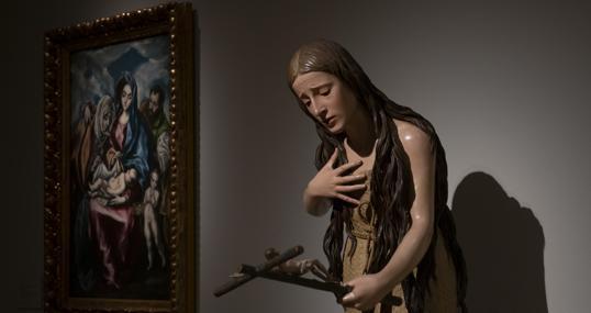 A la izquierda obra del Greco, junto a una escultura de Pedro de Mena, dos de las obras del Prado que se hayan en depósito fuera del museo