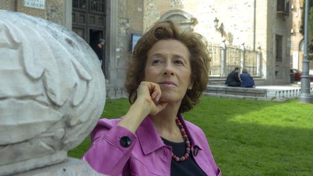 La escritora Julia Navarro, fotografiada en el Real Monasterio de la Encarnación, en Madrid