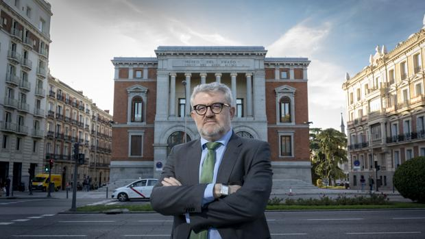 Miguel Falomir, ante el Casón del Buen Retiro, sede del Centro de Estudios del Prado