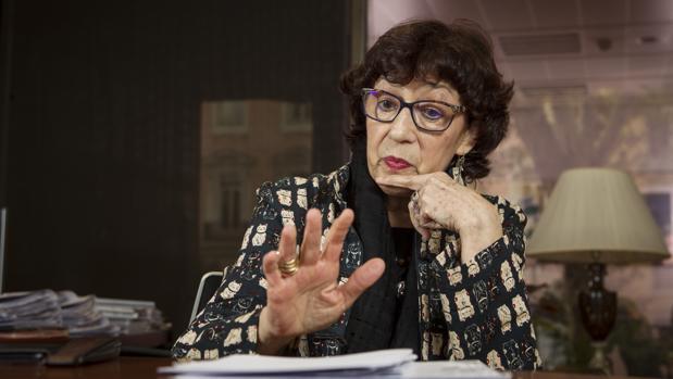 Olvido García Valdés, directora general del Libro, durante la entrevista concedida a ABC