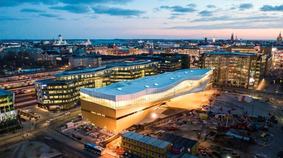 «Oodi», la biblioteca del siglo XXI, abre sus puertas en Helsinki