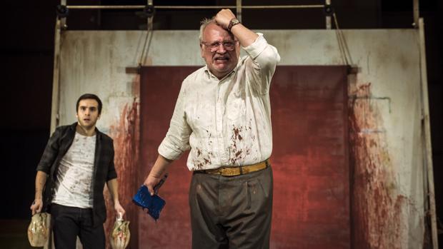 Juan Echanove y Ricardo Gómez, en una escena de «Rojo»