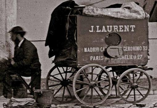 Carruaje-laboratorio ambulante que Laurent usó en sus viajes por toda España