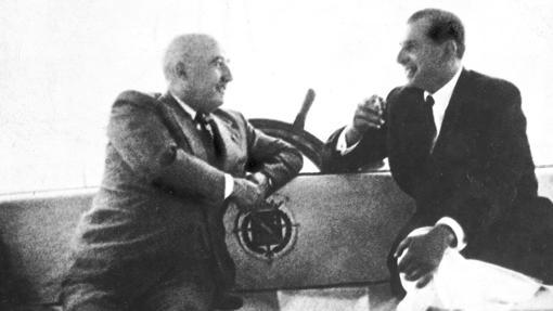 Don Juan y Franco en el «Azor» en 1948