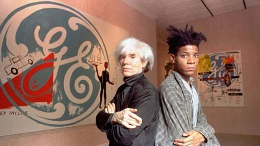 Basquiat (a la derecha) con su mentor Andy Warhol