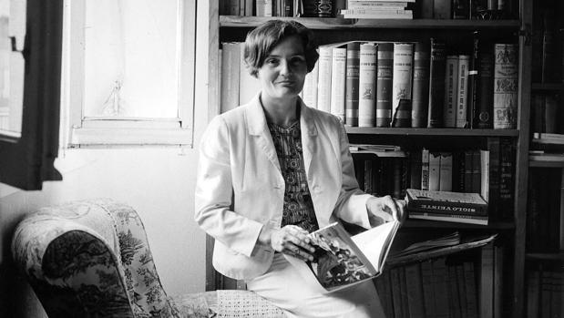 La escritora Carmen Laforet ganó el primer premio Nadal, en 1944, con su debut, la novela «Nada»