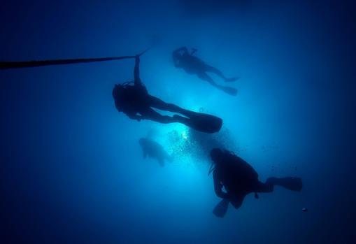 La descompresión es un paso obligado para trabajar a 25 metros de profundidad