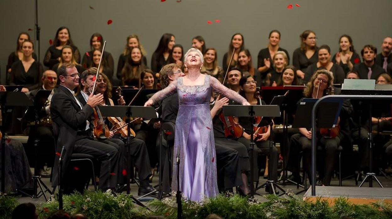 Mariella Devia, Guillermo García Calvo y Calixto Bieito, primeros premios Ópera XXI