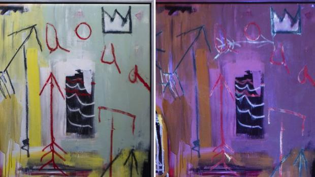 A la derecha, el cuadro de Baquiat visto con luz ultravioleta