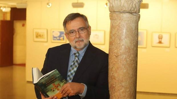 José Calvo Poyato en la presentación de su última novela