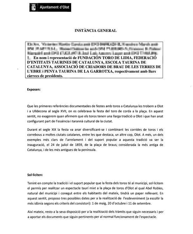 Documento entregado hoy al Ayuntamiento de Olot solicitando los permisos para dar toros