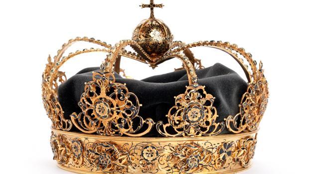 Hallan en un cubo de basura las joyas reales del siglo XVII robadas en Suecia