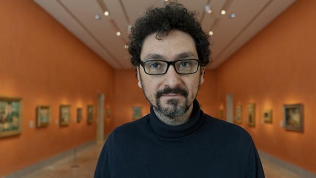 El escritor francés David Foenkinos, fotografiado en una de las salas del Museo Thyssen, en Madrid