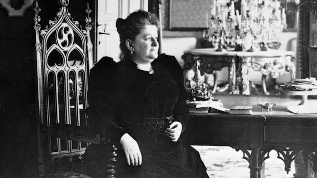 La escritora Emilia Pardo Bazán, retratada en 1890
