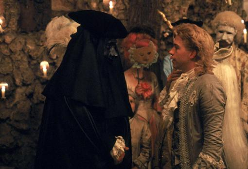 Fotograma de la película «Amadeus», de Milos Forman, con Tom Hulce en el papel del compositor