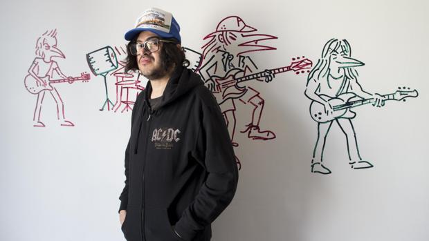 Abdul Vas seguirá rindiendo tributo a la banda de rock AC/DC desde las paredes de L21, de Palma