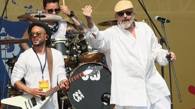 El cantante Miguel Bosé se presenta en el concierto por Venezuela en Cúcuta (Colombia)
