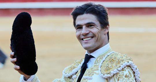Pablo Aguado, feliz en la vuelta al ruedo tras cortar una oreja