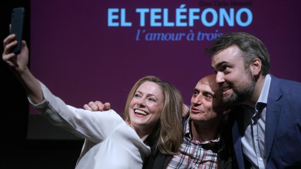 Sonia de Munck, Pepe Viyuela y Gerardo Bullón, en la presentación de «El teléfono»