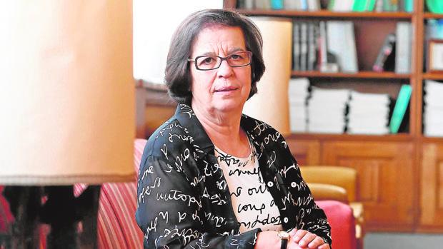 El Gobierno de Pedro Sánchez condecora a la presidenta de la Academia Portuguesa de la Historia
