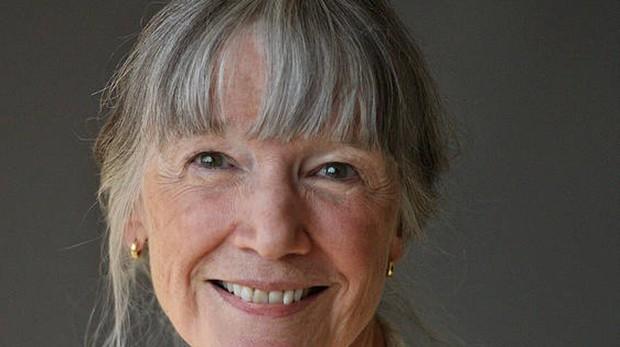 Anne Tyler mueve las manecillas del reloj