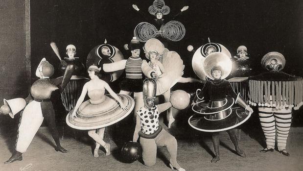 Una de las fiestas que se montaban en la Bauhaus, en las que participaban profesores y alumnos