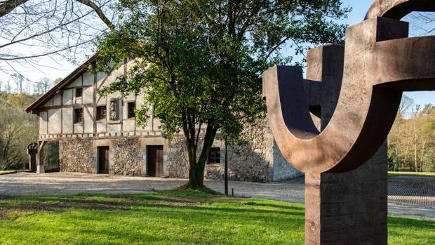 La segunda vida de Chillida Leku, la utopía que un día soñó el escultor