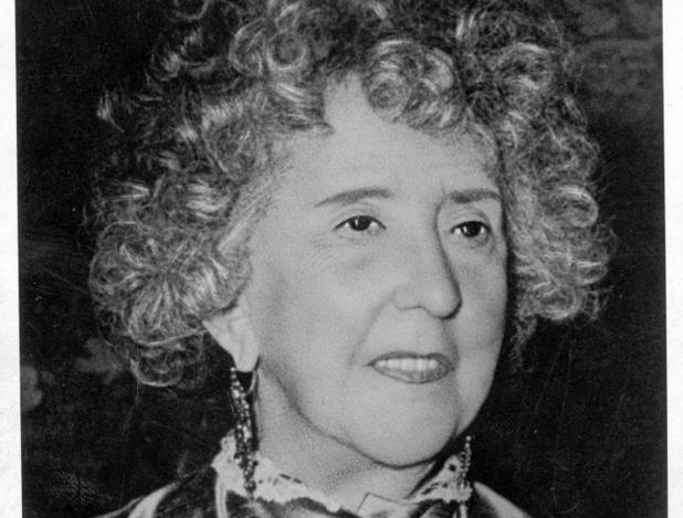 La escritora Concha Espina