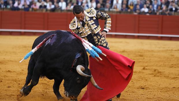 Con toros flojos, solo una oreja a Manzanares en Sevilla