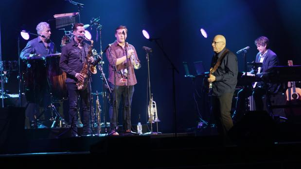 Concierto de Mark Knopfler, dentro de la gira Down The Road Wherever, en el Palau Sant Jordi