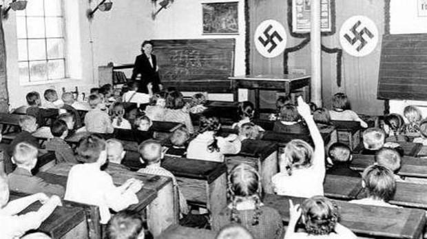 Adoctrinamiento en las aulas hitlerianas