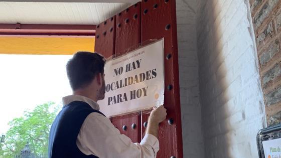 Se cuelga el cartel de «No hay localidades para hoy»