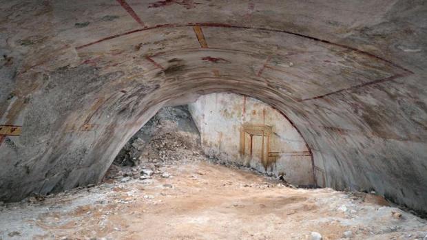 Detalle de la luneta en una sala recién descubierta en la «Domus Aurea» de Nerón en Roma (Italia)