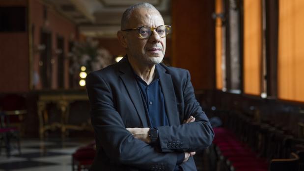 Lluís Pasqual, en el ambigú del Teatro de la Zarzuela