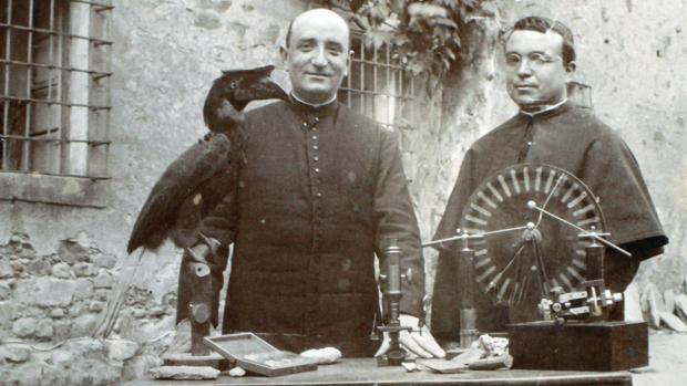 La invención del padre Díez: la historia desconocida del genio que hizo posible el cine