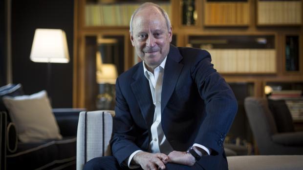 Michael Sandel: «Los partidos deben generar un debate público responsable como alternativa al populismo»