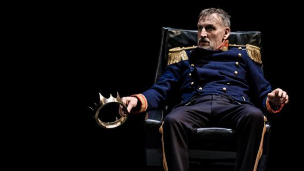Christopher Eccleston en la producción de «Macbeth» que presentó la Royal Shakespeare Company el año pasado