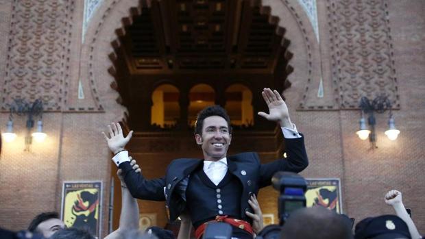 Leonardo Hernández abre la Puerta Grande