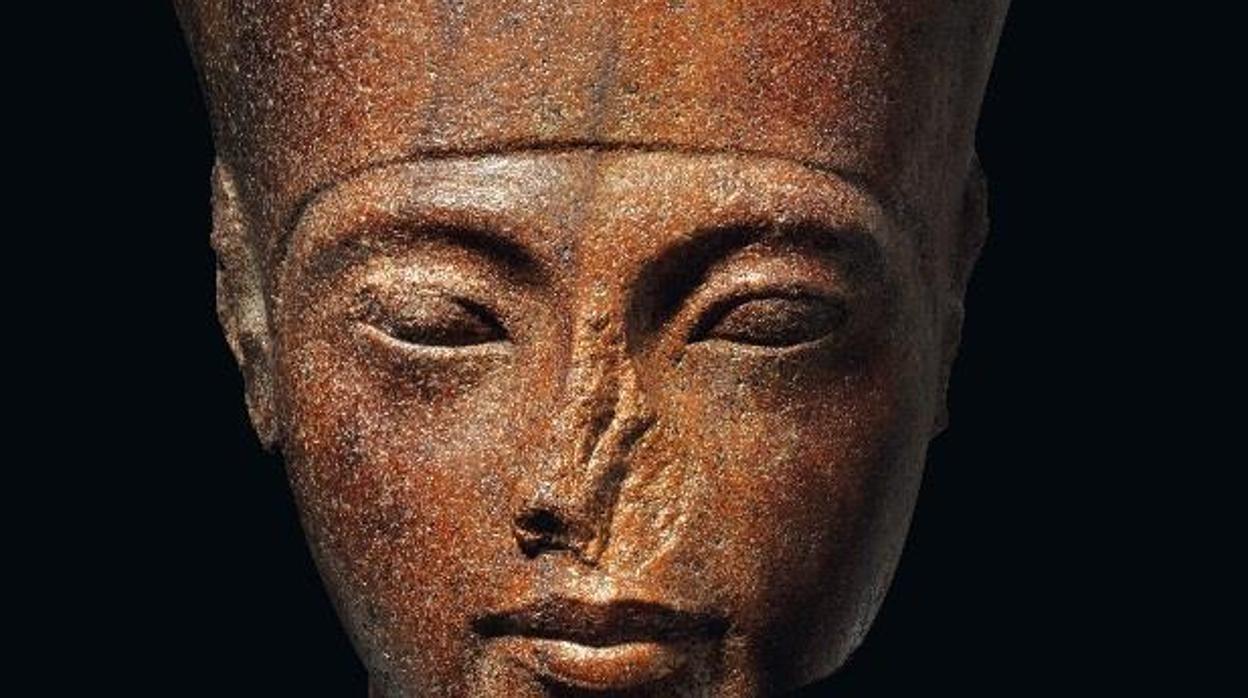Un 3 Sale Hace De Subasta Tutankamón Excepcional Años Busto A 000 vNnw80m