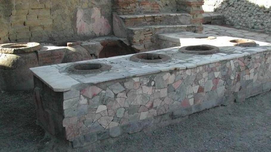Las nueve sorprendentes costumbres que aún conservamos de los romanos