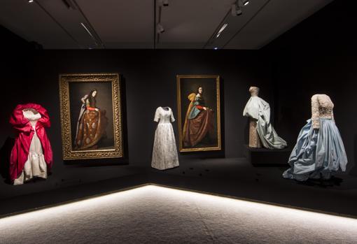 Dos santas mártires de Zurbarán, junto a cuatro modelos de Balenciaga