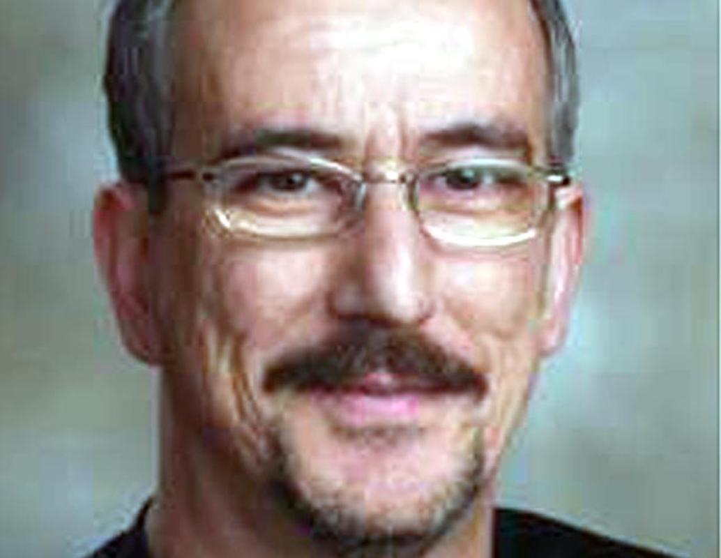 Muere el poeta Antonio Cabrera, tetrapléjico tras una caída en 2017