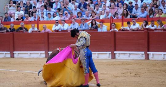 Morante de la Puebla torea a la verónica