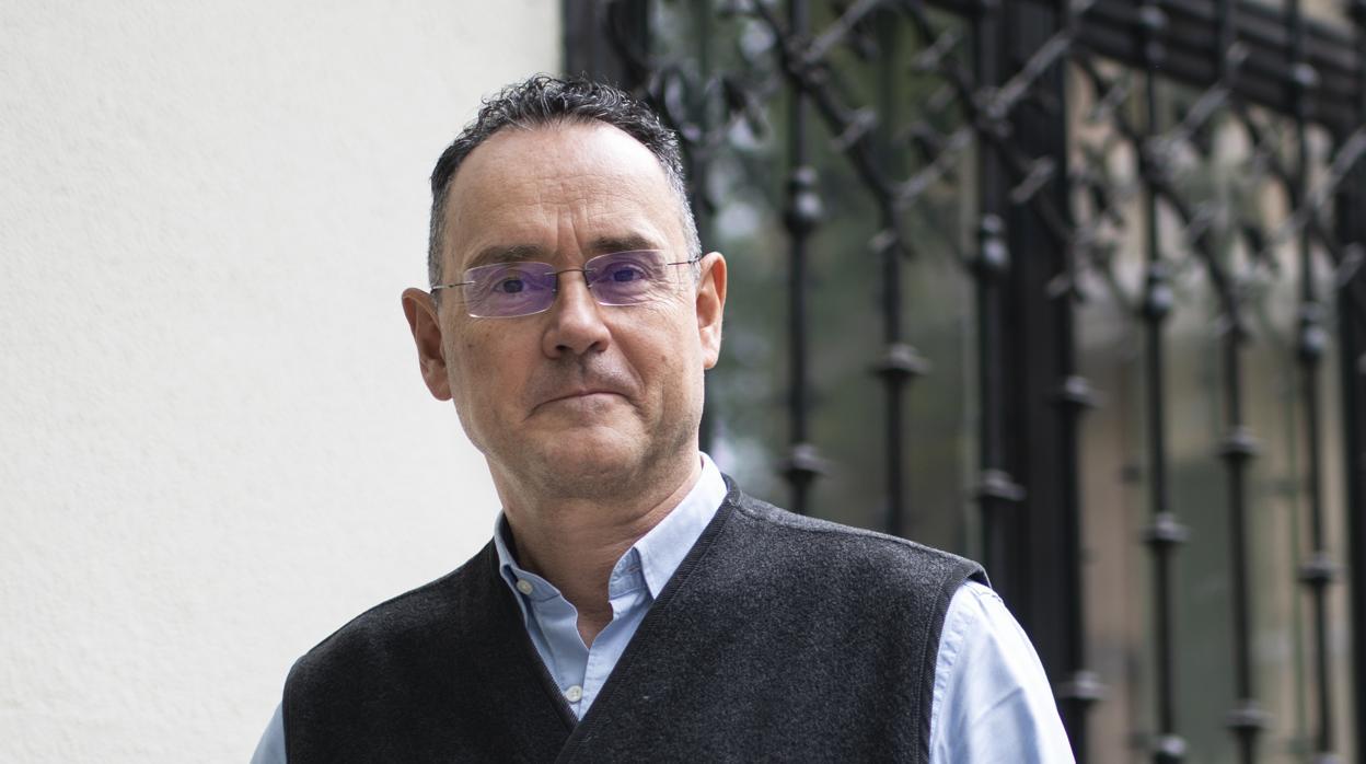 El misterio que rodea la retirada del ensayo de Pedro Baños en Reino Unido por supuesto antisemitismo