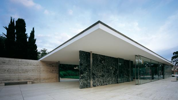 50 años de la muerte de Mies van der Rohe: así «resucitó» su único edificio en España